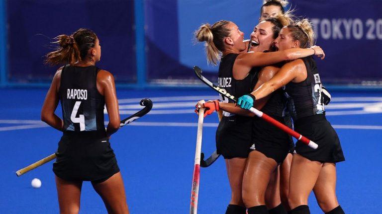 Las Leonas superaron a India, se aseguraron una medalla y jugarán la final de los Juegos Olímpicos por tercera vez en la historia